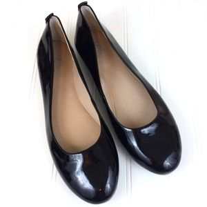 Easy Spirit black patent leather round toe flats